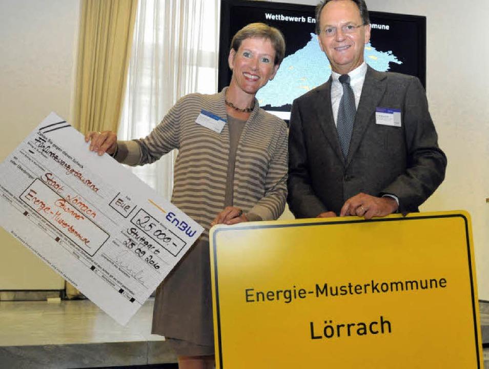 Wolfgang Bruder, Vorstandvorsitzender ...rachs Bürgermeisterin Marion Dammann.   | Foto: List
