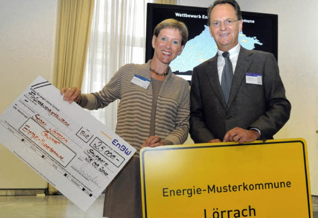 Wolfgang Bruder, Vorstandsvorsitzender...rachs Bürgermeisterin Marion Dammann.   | Foto: List