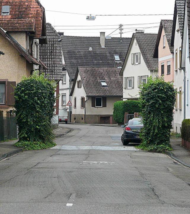 Die Wylerter Hauptstraße ist in schlec...e Sanierung und Verbesserung fordert.     Foto: R. beschorner
