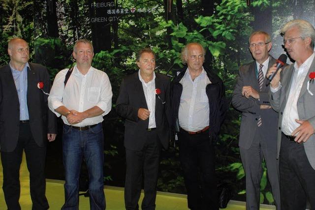 LEUTE: Das passende Publikum am Freiburger Expo-Stand in Schanghai