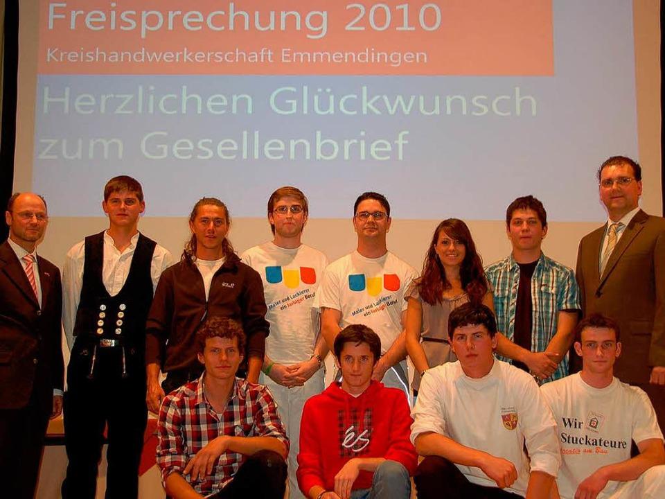 Die Preisträger wurden von Kreishandwe...Christof Burger (links  ausgezeichnet.  | Foto: Pia Grättinger
