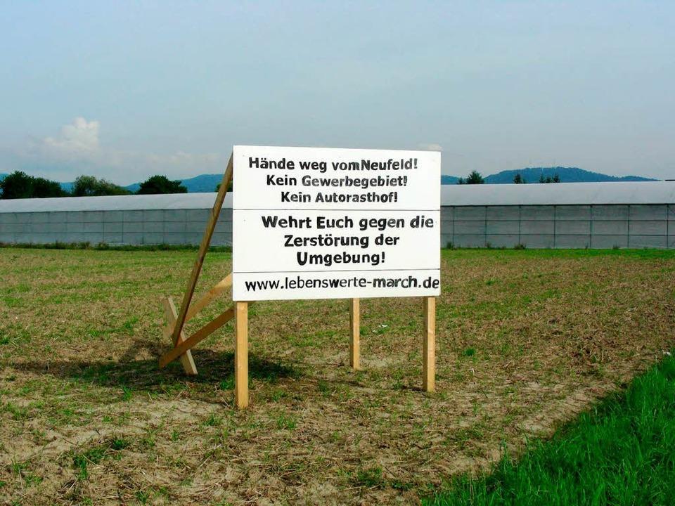 Protest: Eine Bürgerinitiative lehnt n... das von March geplante Gewerbegebiet.  | Foto: Mario Schöneberg