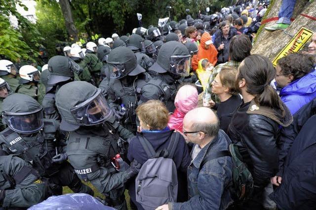 Polizei ebnet den Sägen den Weg