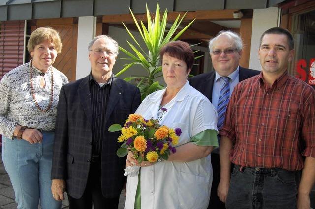 Sekt und Blumen für Ruth Tröndle