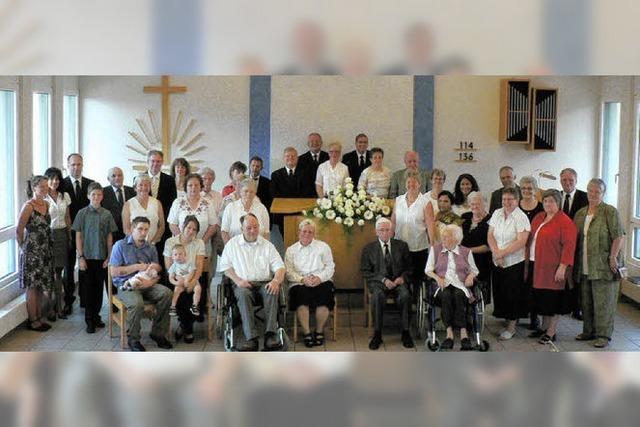 Sechs Seelsorger und 129 Mitglieder