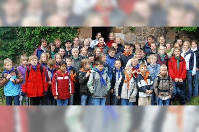 Sausenburg als Kulisse für feierliche Gruppenwechsel