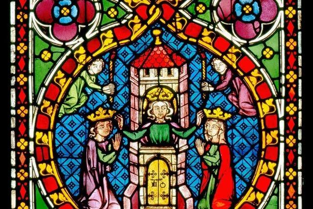 Glasmalereien in Freiburg – das Münster leuchtet