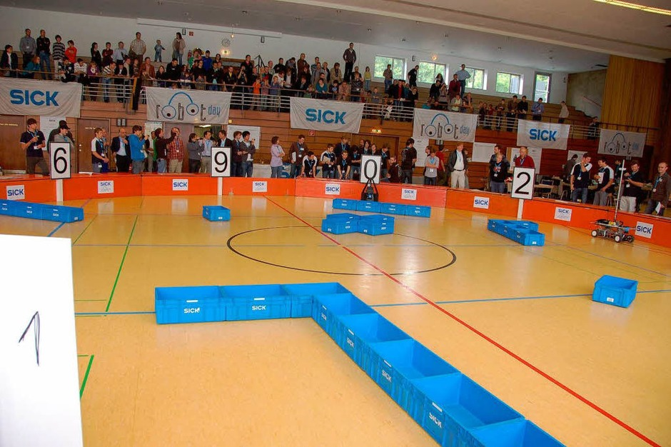 Der 3. Sick-Robot-Day in Waldkirch: Die Arena in der Stadthalle Waldkirch (Foto: Sylvia Timm)