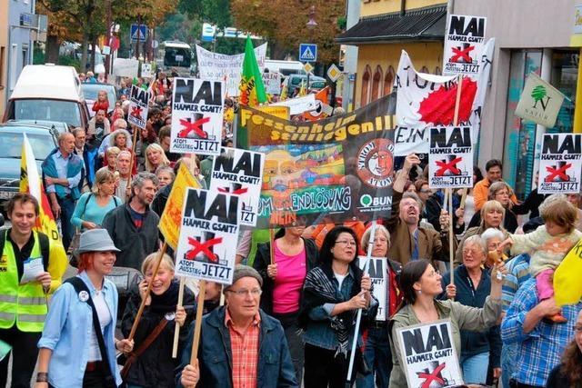 Rund 600 Menschen fordern Atomausstieg
