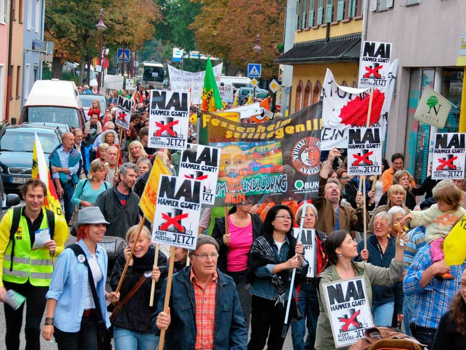 Rund 600 Demonstranten forderten den Atomausstieg.  | Foto: Benjamin Bohn