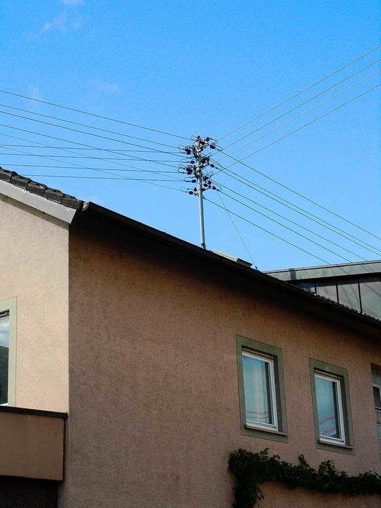 Die Stromleitungen in Gottenheim sollen an die Badenova übergehen.  | Foto: Mario schöneberg