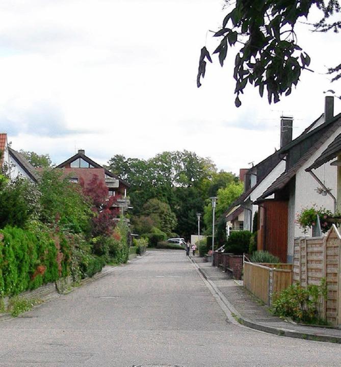 Dieses Stück der Kaiserstuhlstraße soll einen neuen niederen Gehweg bekommen.   | Foto: mario schöneberg