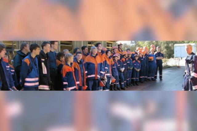 Viel Lob für junge Feuerwehrleute nach Übung an der Werksiedlung