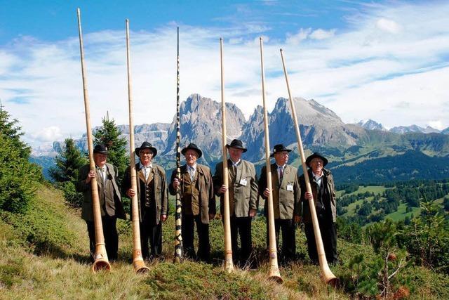 Lilientaler Alphornbläser musizieren in Südtirol und Rom