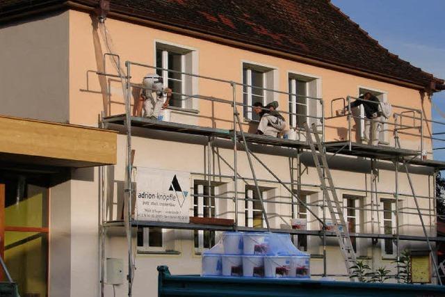 Sanierungsarbeiten an drei Gebäuden