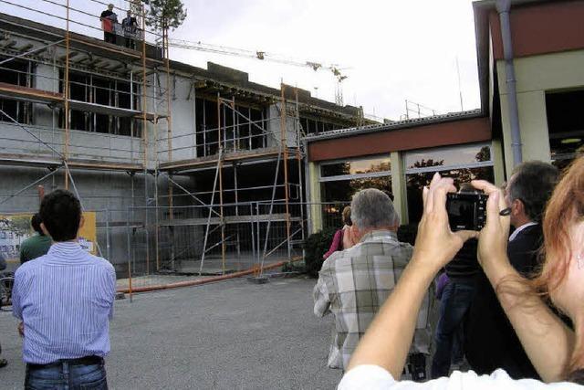 Richtfest am Grundschul-Neubau - Einzug 2011
