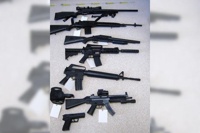Polizei stellt Waffen sicher