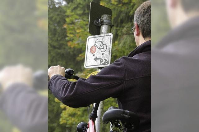 Schilder sollen Radler anlocken