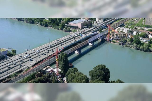 Baugrube mitten im Rhein