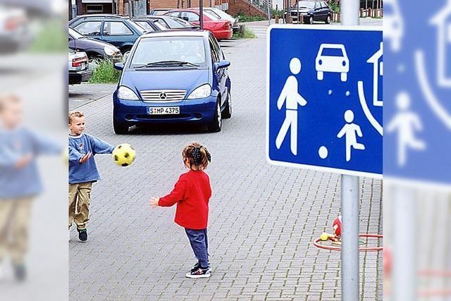 Vorsicht beim blauen Schild