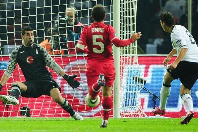 Deutschland schlägt die Türkei mit 3:0