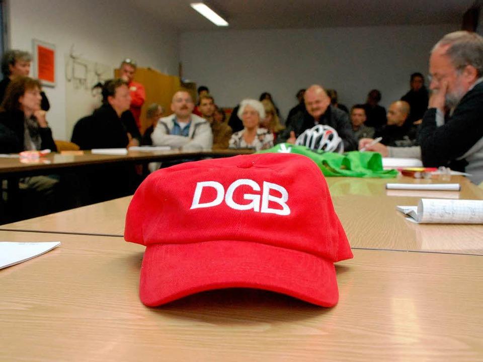 Sitzung trotz  rechter Stör-Drohungen.  | Foto: Gertrude Siefke