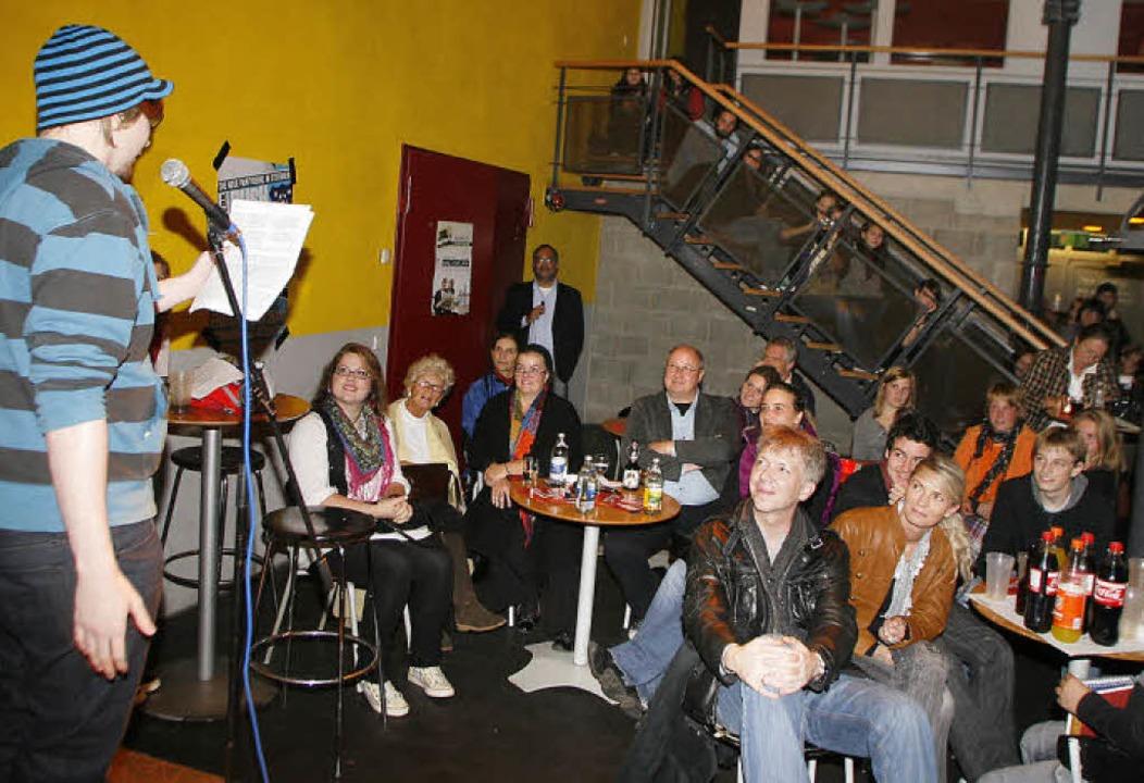 Im  Publikum mischten sich die Generationen wie selten.   | Foto: Heidi Fössel