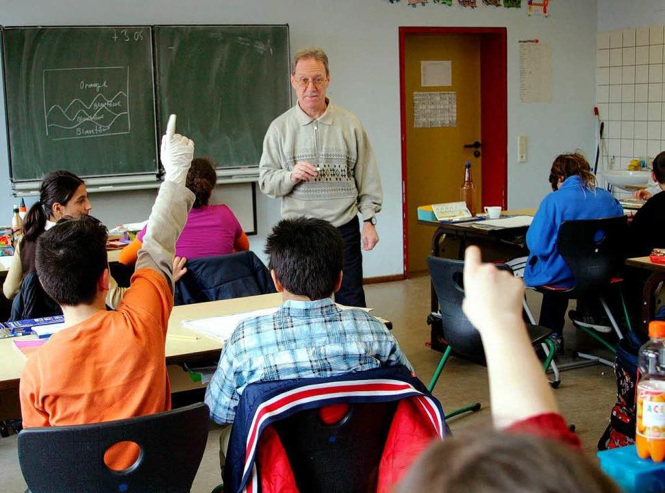 Kein Zutritt ohne Anklopfen – sieht so das Klassenzimmer der Zukunft aus?  | Foto: dpa