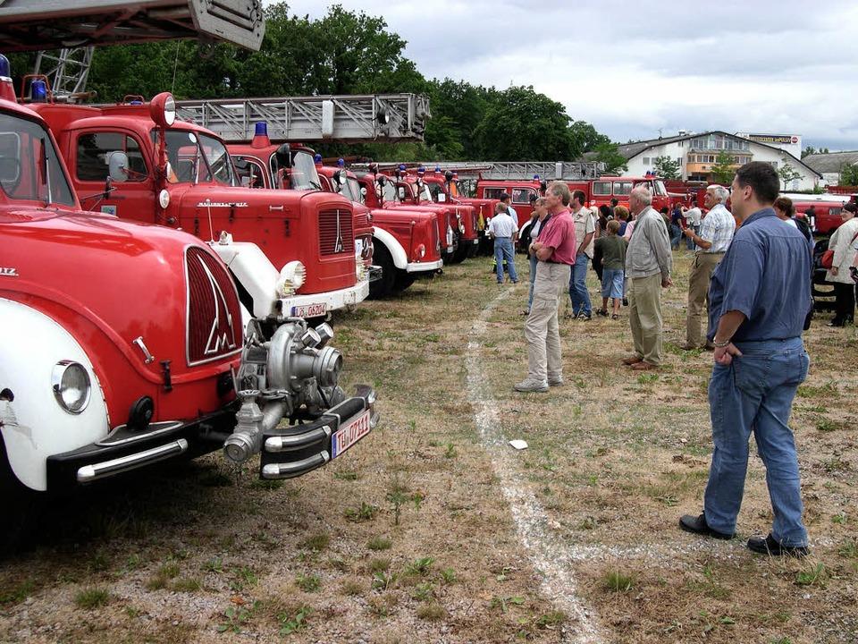 Vor fünf Jahren  zeigte die Feuerwehr ...eder alte Löschfahrzeuge präsentiert.     Foto: mink