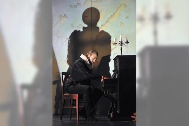 Der Komponist auf dem Sperrmüll