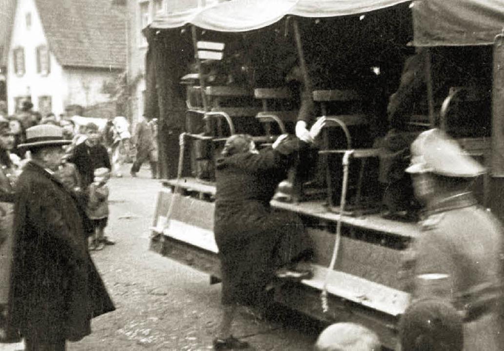 Ein historisches Bild vom 22. Oktober ...ation von Kippenheim Juden nach Gurs.   | Foto: Privat