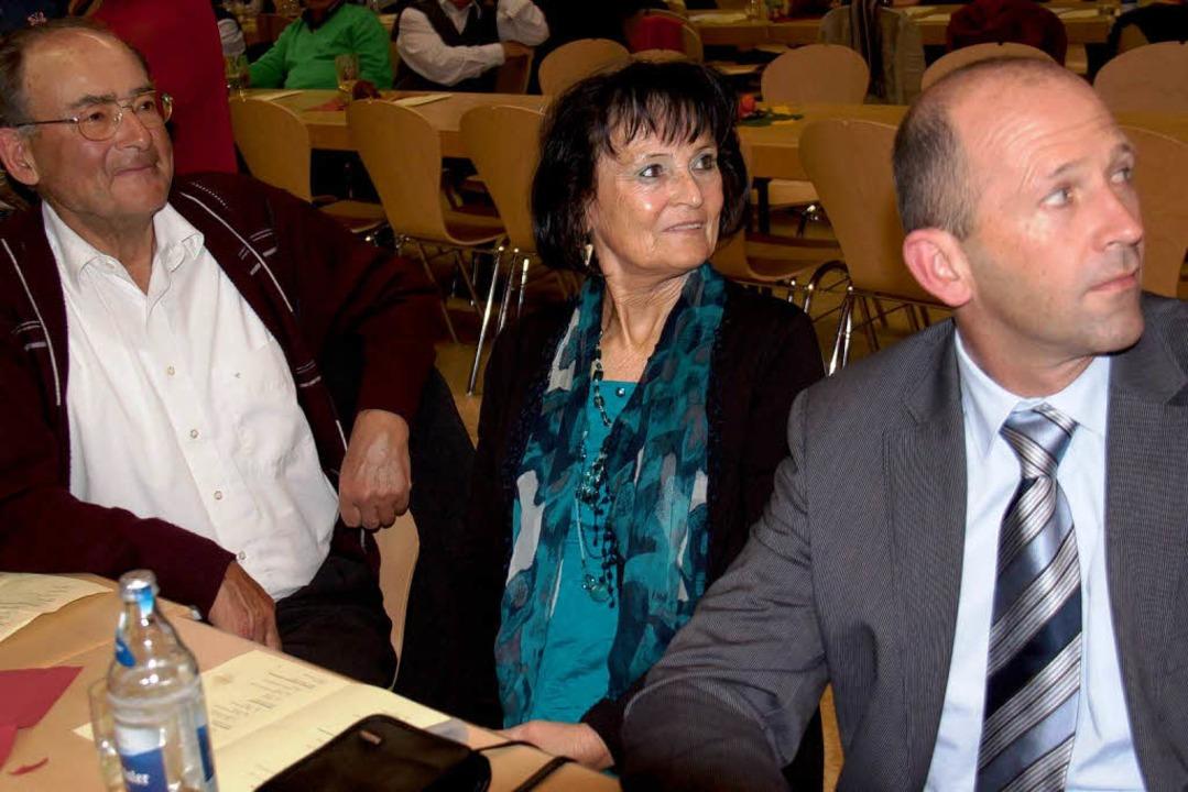 Unter den Gästen auch Monika Kiefer, P...nhausen, Christian Behringer (rechts).  | Foto: Chris Seifried