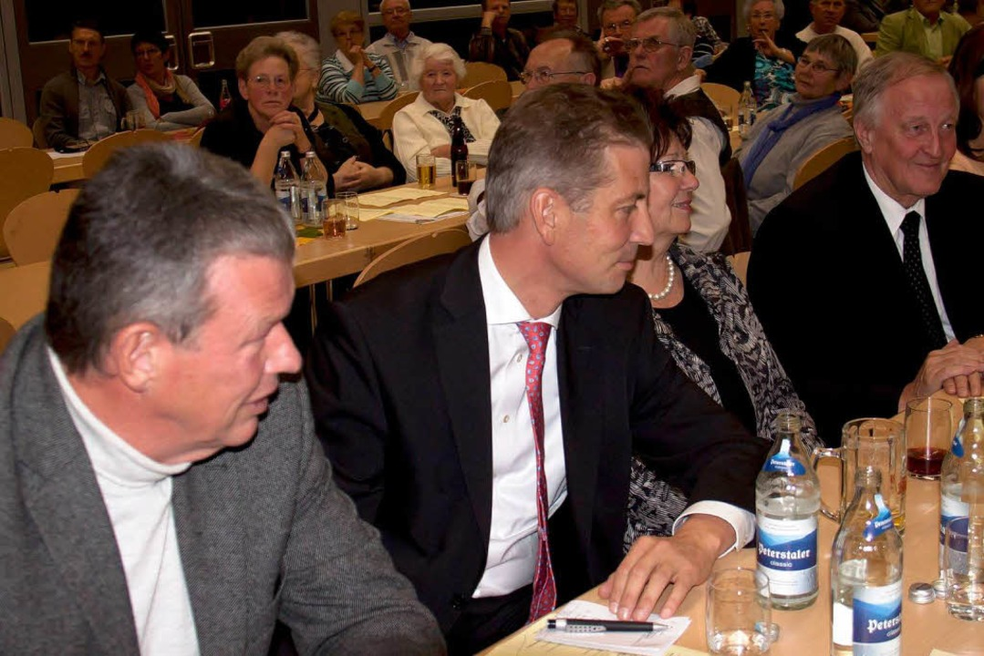 Politprominenz: Bürgermeister Erich Ki...raub zeigten am Chortreffen Interesse.  | Foto: Chris Seifried