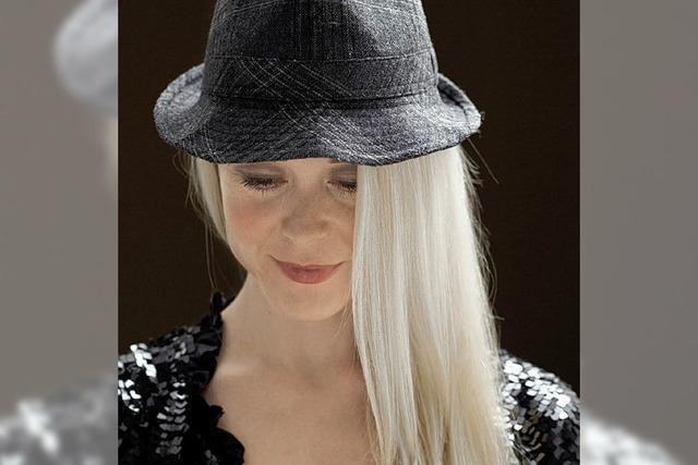 Tina Dico: Europäische Straßenmusik