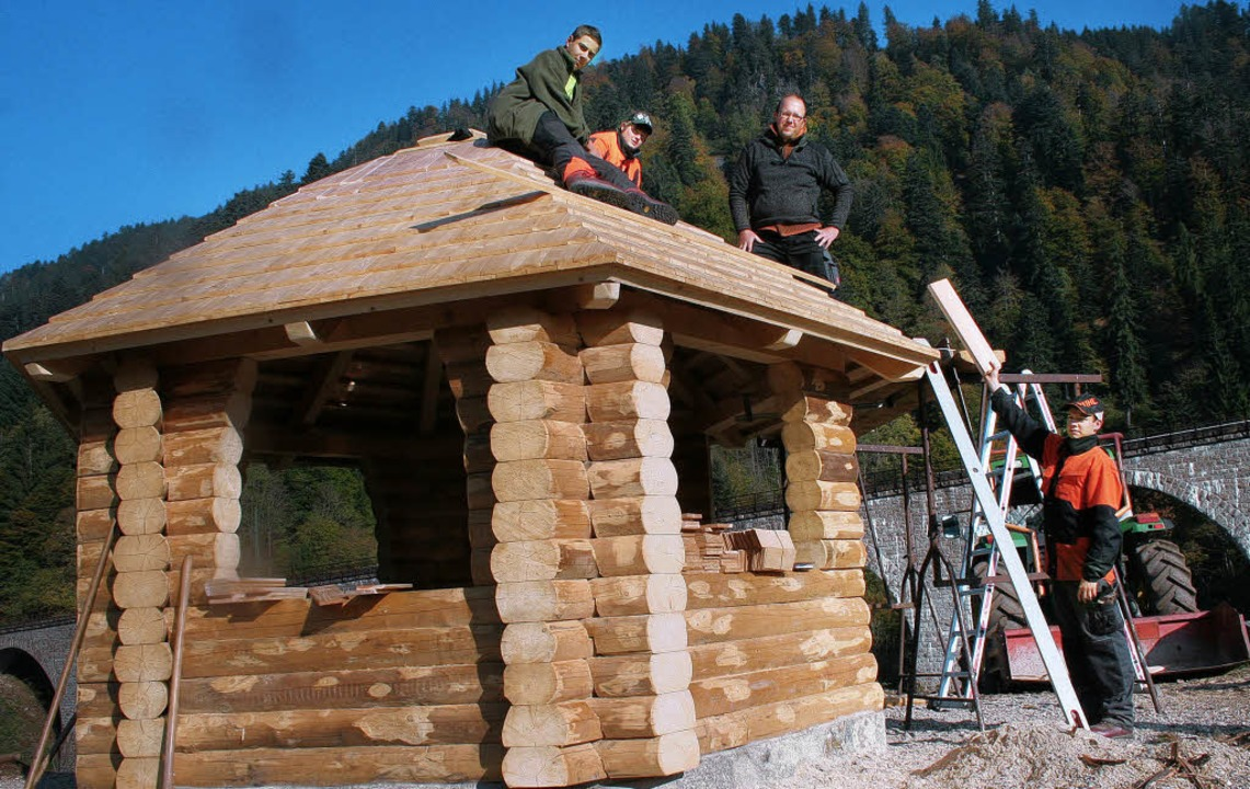 Galgenbühl neue Hütte vor Ravennaviadukt  | Foto: Diter Maurer