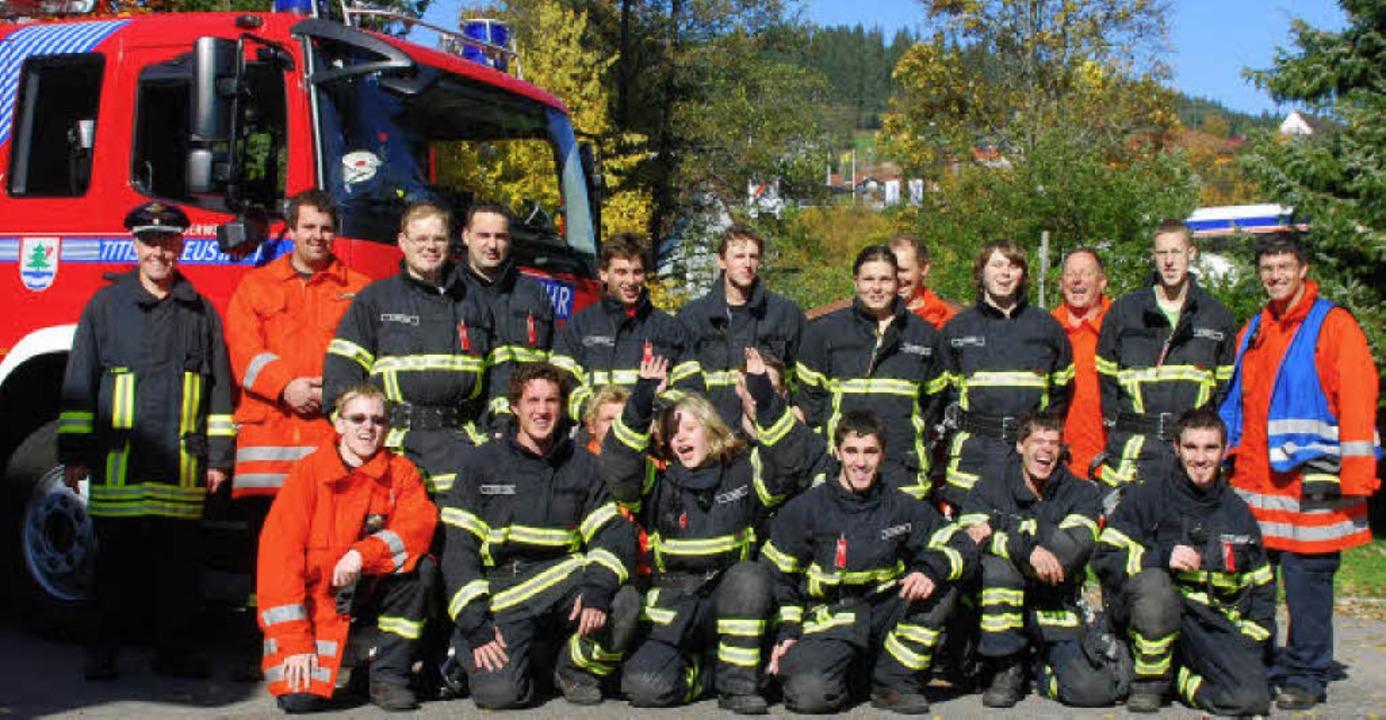 Die frisch gebackenen Truppführerinnen...rn über den erfolgreichen Abschluss.    | Foto: Feuerwehr