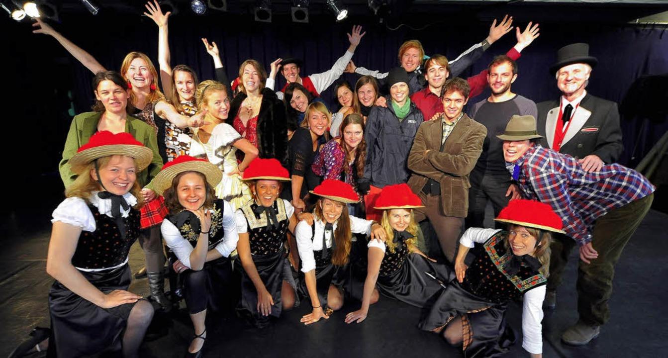 Fast keiner ist Profi, aber das wird n...k-Musicals beim Üben in der Mensabar.   | Foto: thomas kunz