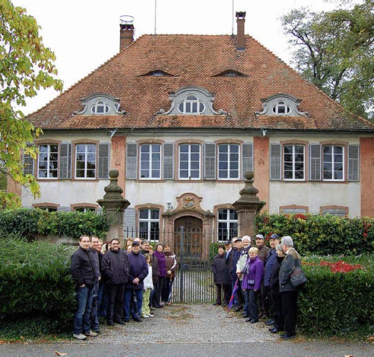 Die Teilnehmer des geschichtlichen Run... welches vor 250 Jahren erbaut wurde.   | Foto: Christian Ringwald