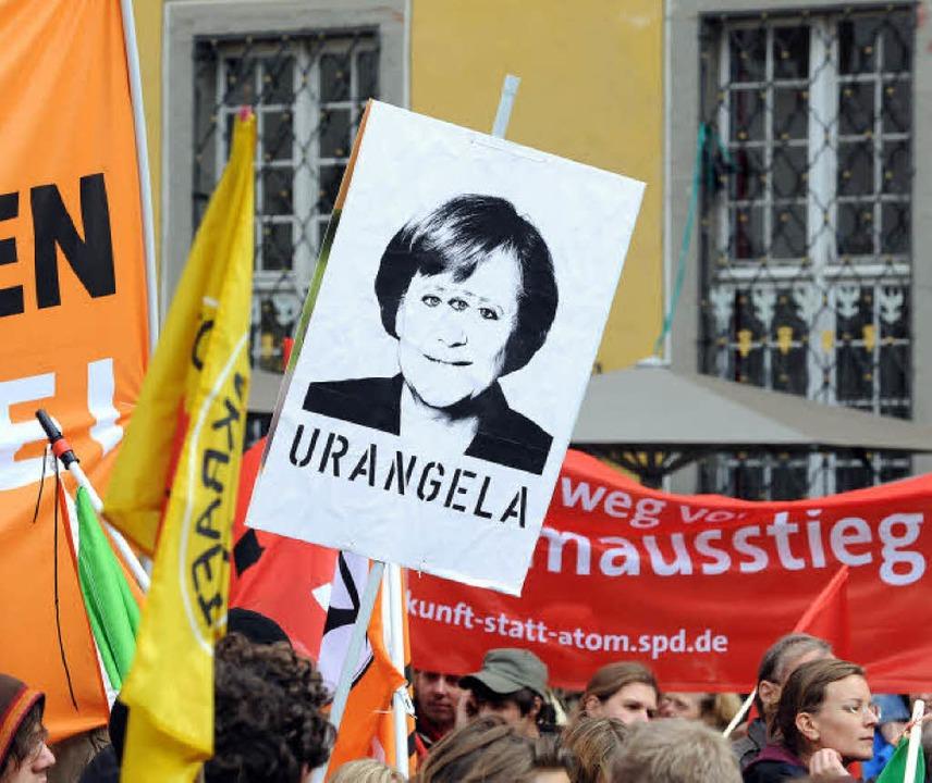 Bund unf fantasievoll: Protestplakate ...er Demo am Samstag in der Innenstadt.   | Foto: Rita Eggstein