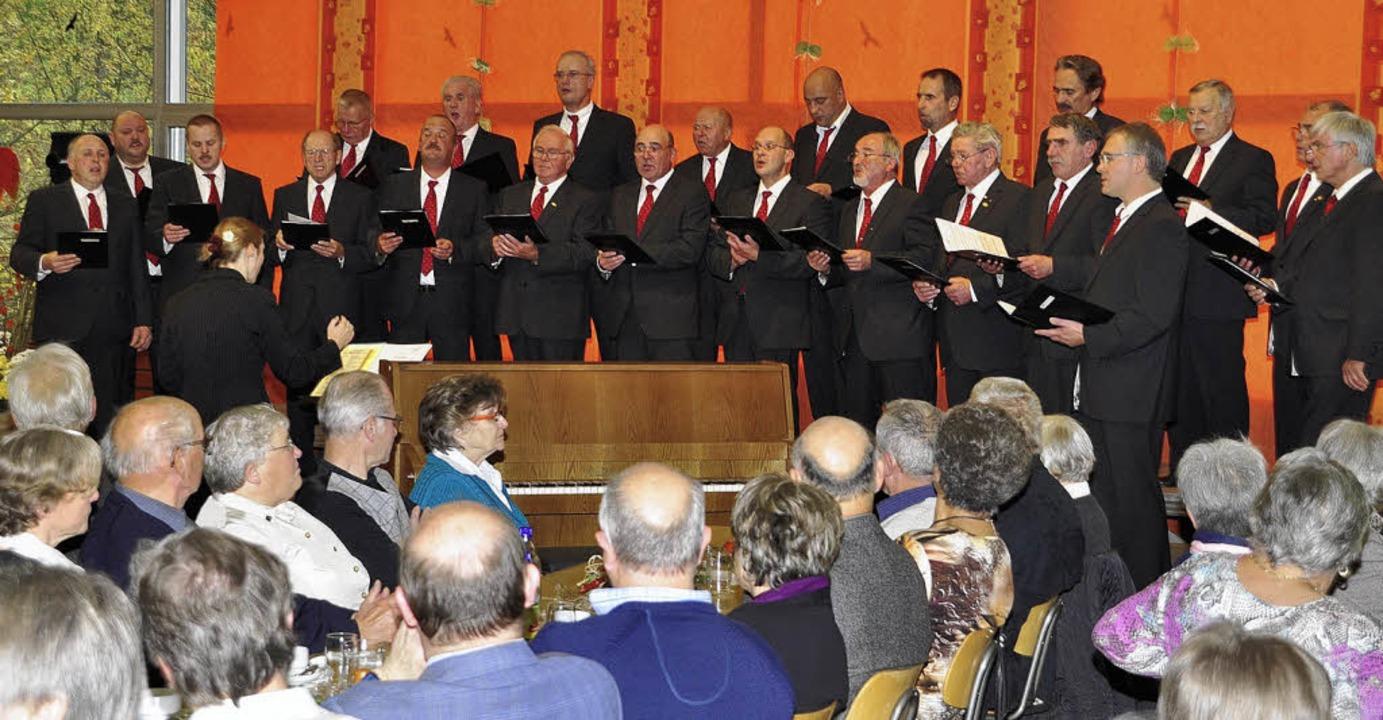 Der Heimat hatte der Männergesangverei...erdingen seinen Konzertteil gewidmet.     Foto: Dieter Erggelet