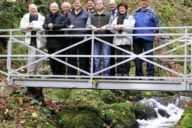 Spende für neue Brücke