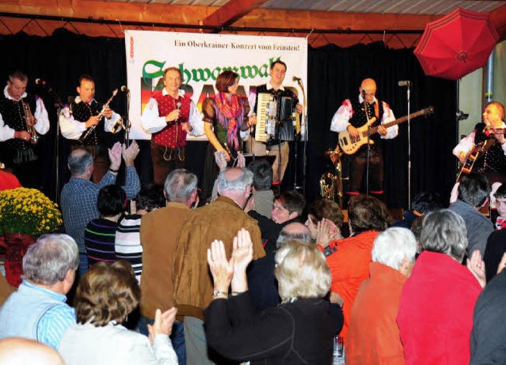 Bei einem Konzert mit Musik der legend... der Schlossbergarena von Simonswald.     Foto: Horst Dauenhauer