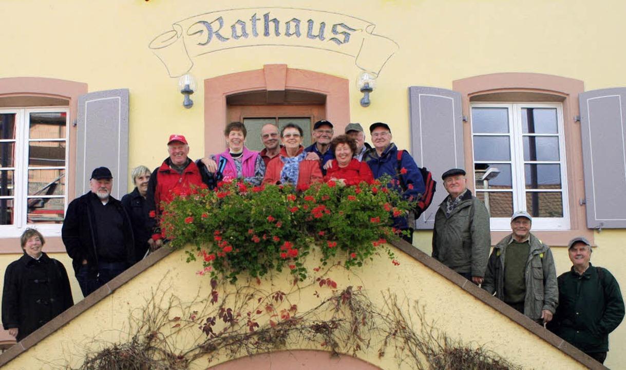 Die Haltinger Naturfreunde empfing im ...r Gerd Reinauer (zweiter von rechts).   | Foto: Cremer