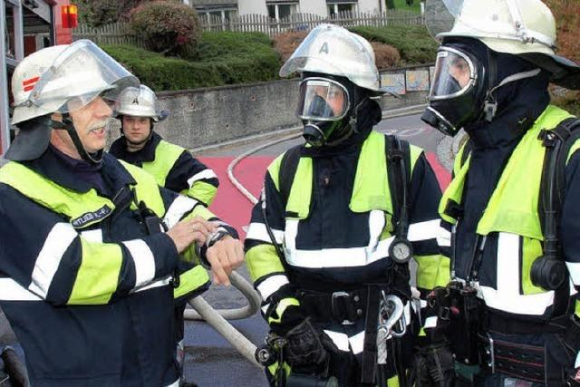 Inzlinger Feuerwehr hat bei der Herbstübung alles im Griff