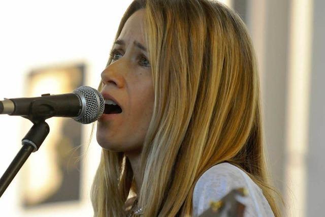 Heather Nova gibt Konzert in der Psychiatrie