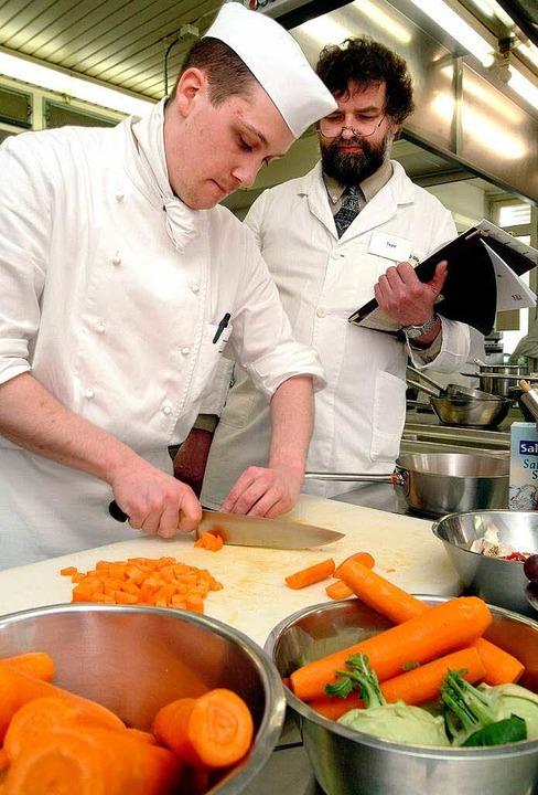 Koch ist einer der Berufe, in denen es...nau noch freie Ausbildungsplätze gibt.  | Foto: Hans-Jürgen Wege