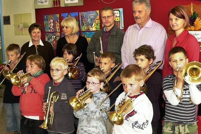 Früh übt der Nachwuchs an Posaune und Trompete