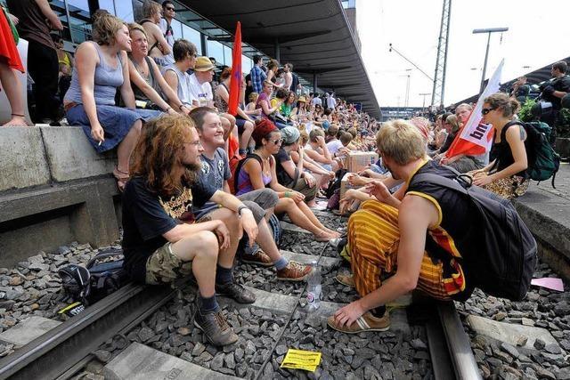 Gleisbesetzung in Freiburg: Studenten kritisieren Verhöre von Minderjährigen