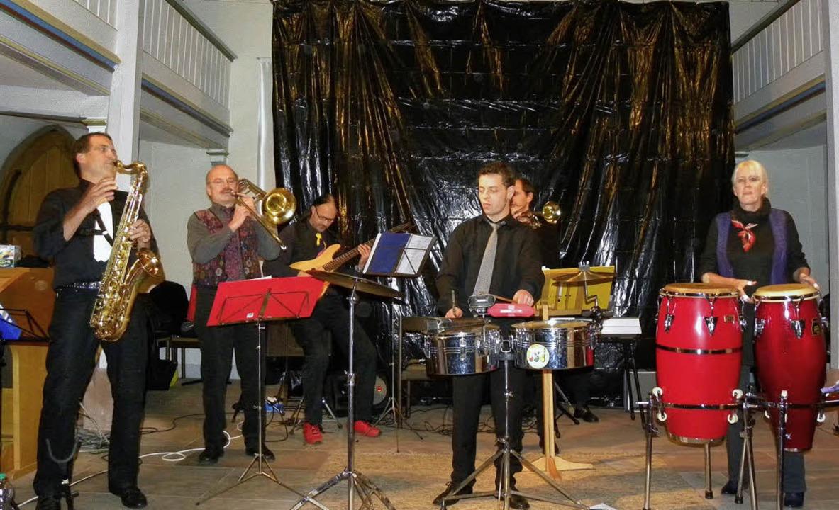 Konzert in der St.-Barbara-Kirche Mund...n. Vorne Jazztrompeter  John Sahutske.  | Foto: Brigitte Rüssel