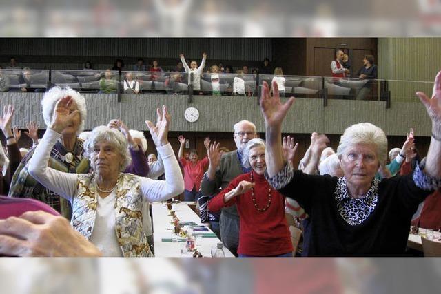 Senioren begrüßen den Anton aus Tirol